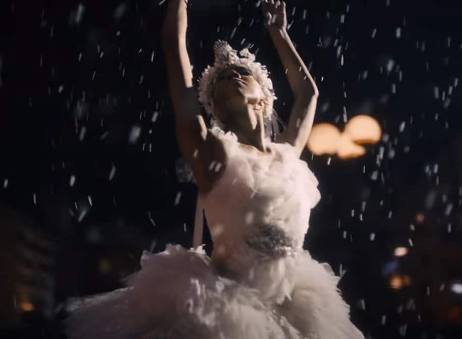 Taïs Vinolo u reklami Amazona