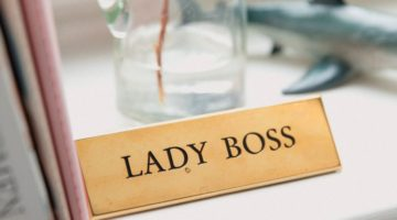 lady boss natpis